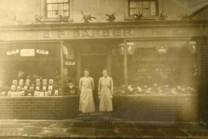 Barbers Top Shop 1934-Meg Barber, Molly Mintoft