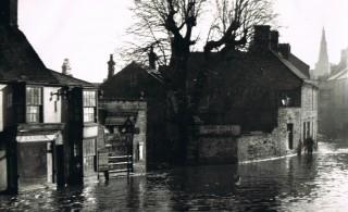 Floods,Junction Midland Road &  Bridge Street 1947