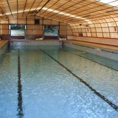 Thrapston Swimming  Pool, Half Empty - 29th July 2004