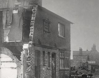Jubilee Cottages - Demolition in 1933, Oundle Road