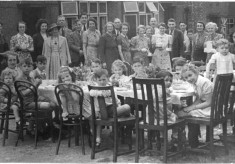 VE Day Street Party, Oakleas Rise, Thrapston