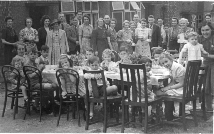 VE Day Street Party, Oakleas Rise